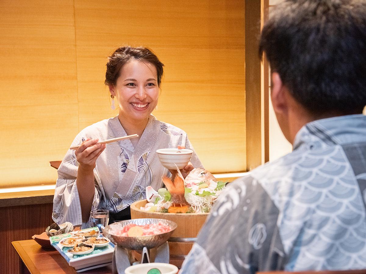 【カップル・ご夫婦】仲良くふたりで20品以上食べ比べ!「愛合膳」